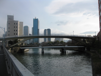 橋の形式(形状):O-TUBE