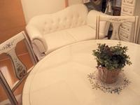新しいロココ調のソファー
