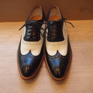 今日は高級紳士靴でも有名な. Church\u0027s